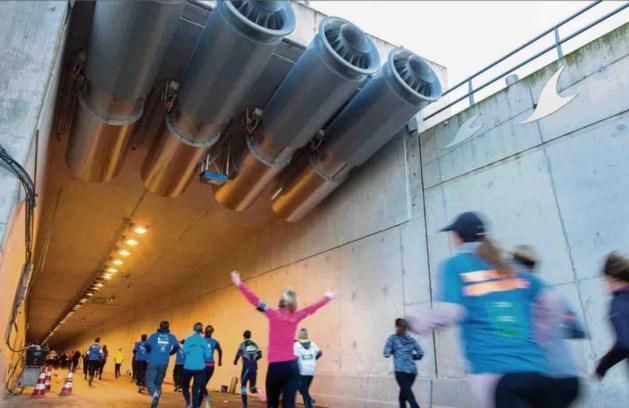Zwetend door de A2-tunnel