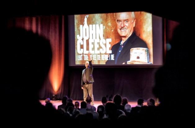 Hasselts publiek krijgt ervan langs van John Cleese