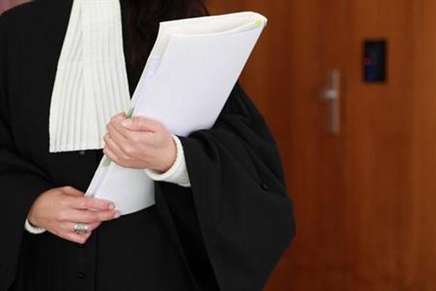 Hoofddoek taboe voor rechters en griffiers