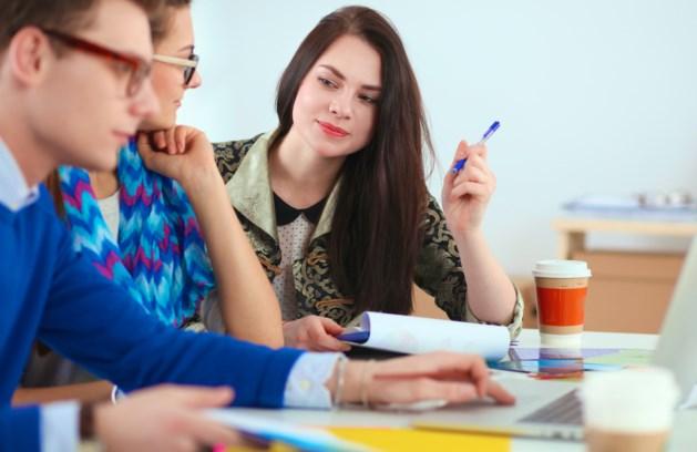 Afgestudeerde hbo'ers vinden sneller werk