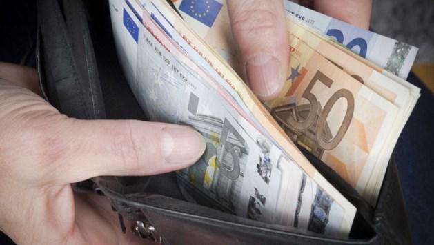 Half jaar cel voor stelen 130.000 euro van opa