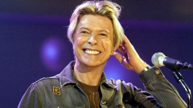 Oude haarlok van overleden David Bowie op veiling