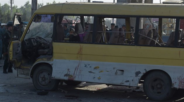 Minibus in Kabul geëxplodeerd, zeker 14 doden
