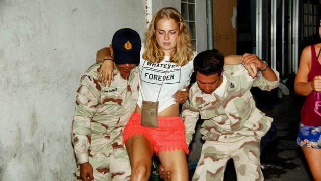 Gewonde Michelle (18) enorm bezorgd over vakantiemaatje