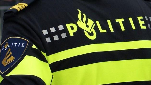 Politie valt panden in Blerick en Tegelen binnen
