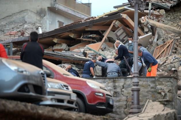 """Zware aardbeving in Italië: """"Kinderen schreeuwden onder het puin"""""""