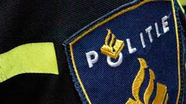 Inbrekers mishandelen winkeleigenaar en steken zaak in brand