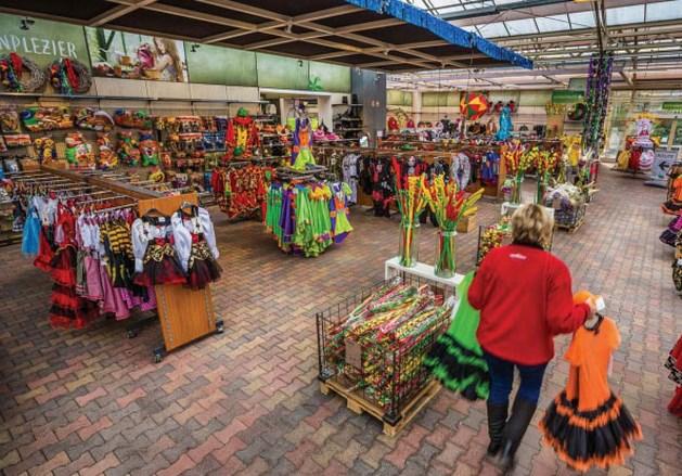 Tuincentrum Leurs voor rechter om verkoop carnavalskleding