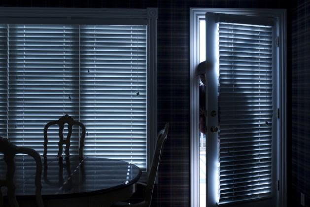 Minderjarige inbrekers dwingen vrouw tot seksuele handelingen