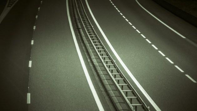Truckchauffeur rijdt man dood op afrit A58
