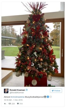 Everton-fans over de rooie om rode kerstboom Koeman
