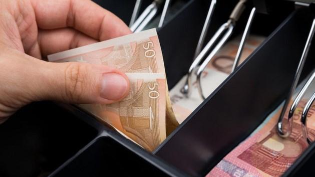 Caissière pikte voor kwart miljoen euro uit kassa