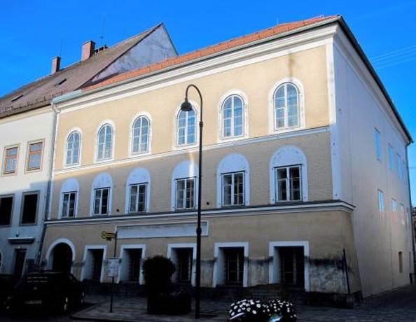 Oostenrijk onteigent Hitlers geboortehuis