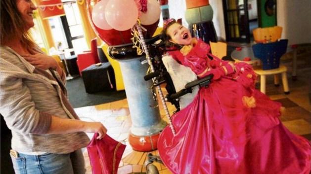 Nelleke Litjens komt met kledinglijn voor gehandicapte kinderen