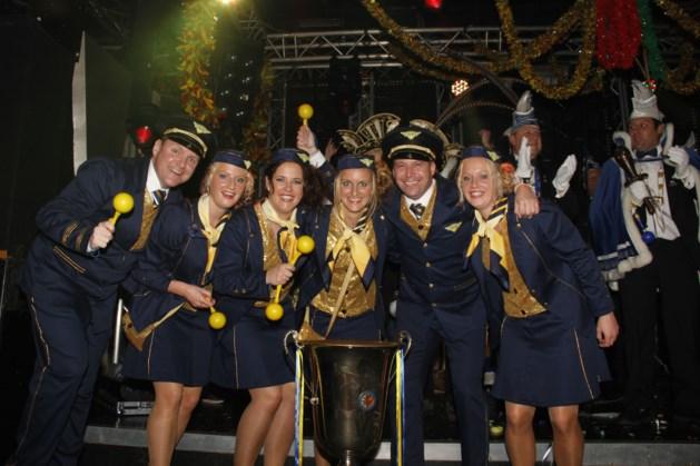 Winnaar Liedjesmiddag De D?rper Kuus : Alaaf Airlines - 'Ode aan de sambabal'