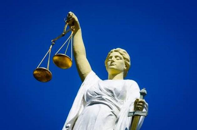 Man mishandelt stalker dochter: poging moord