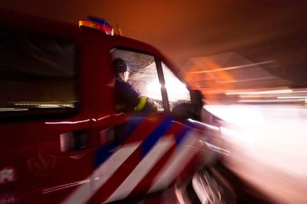 Jongetje steekt zich per ongeluk in brand