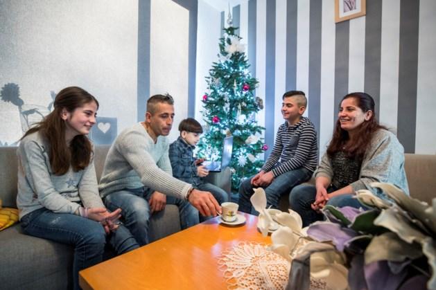 Welkom bij je nieuwe buren: een gevluchte Syrische vrouw, haar man en drie kinderen