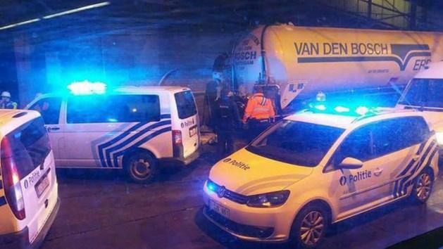 Twaalf vluchtelingen uit vrachtwagen gehaald in België