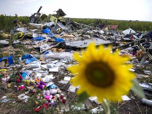 Menselijke resten tussen meegenomen spullen van rampplek MH17