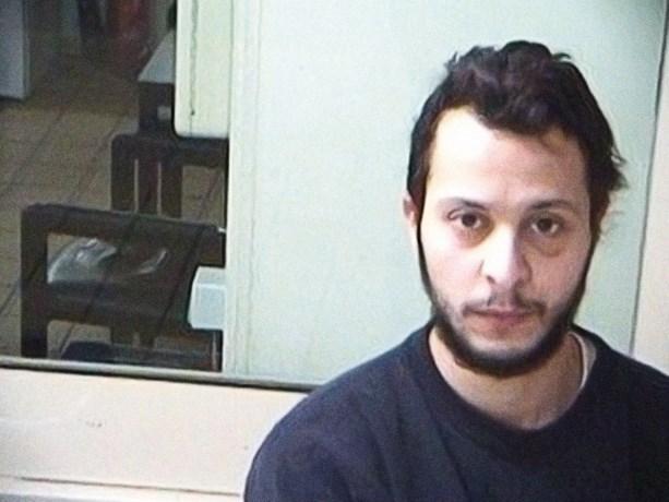 Salah Abdeslam doorbreekt stilzwijgen in brief aan vrouwelijke 'fan'