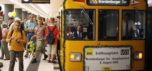 Reizigers op brute wijze aangevallen op metrostation Berlijn