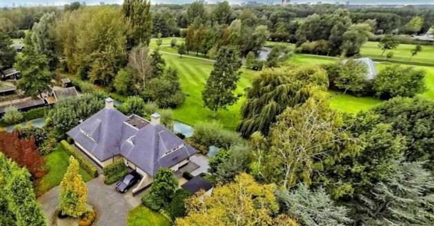 Oud-premier Balkenende koopt villa van miljoen in contanten