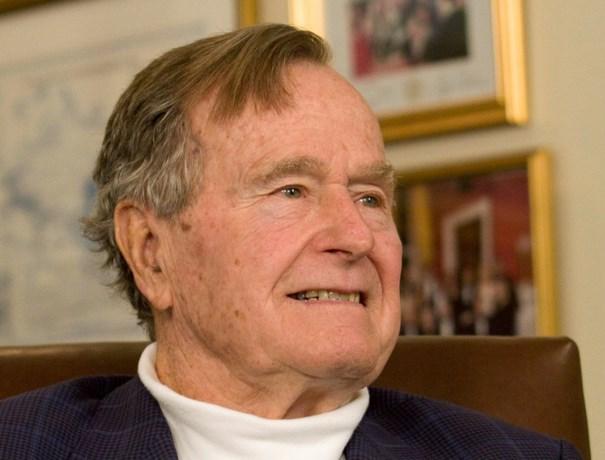 Bush (93) ontkent aanranden actrice