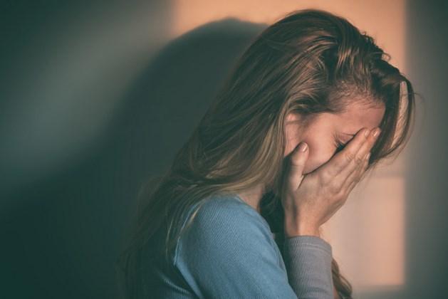 Steindenaar met hersenaandoening misbruikte dochter