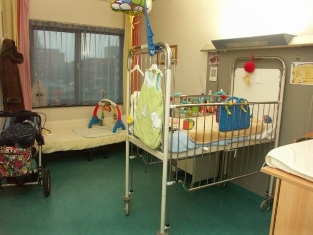 Verwaarloosde baby verliest teentjes: vader aangehouden