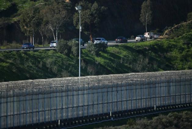 Bouw Mexicaanse muur begint snel
