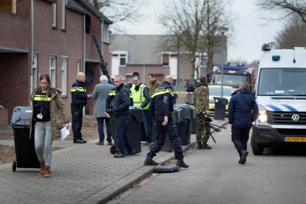 Springstof en vuurwapens aangetroffen in woning Echt