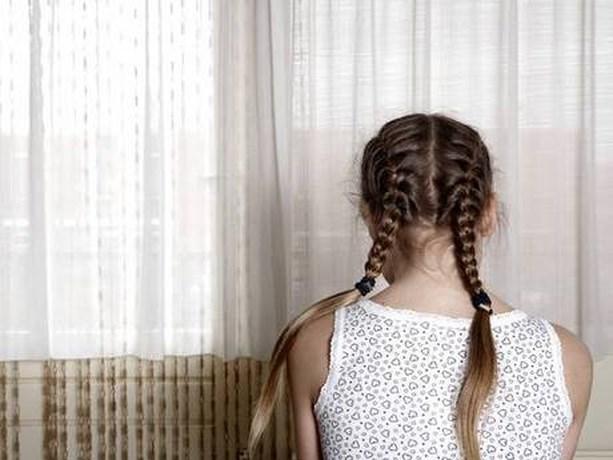 Eis: 5 jaar cel voor vader die dochters jarenlang misbruikte