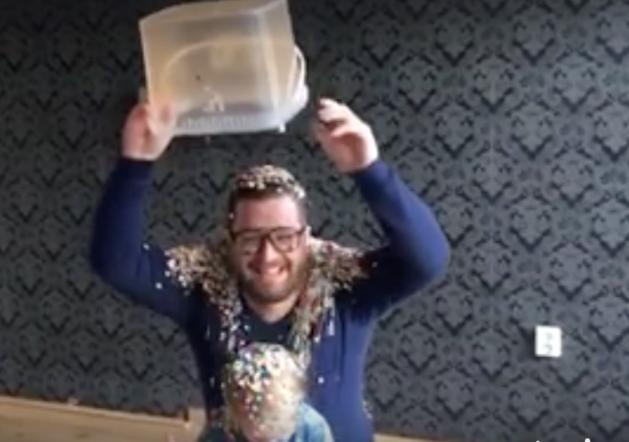 Limburg heeft Confetti Bucket Challenge (video)