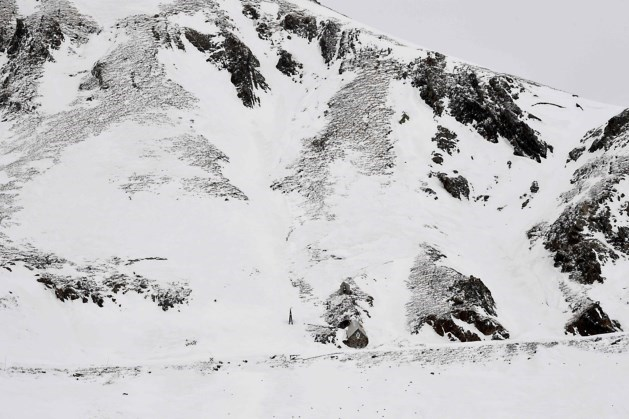 Man (28) sterft na val uit raam op skireis