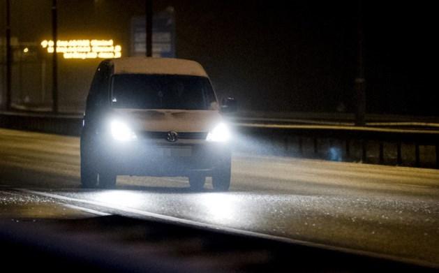 Snelwegen deels dicht na ongelukken door sneeuw
