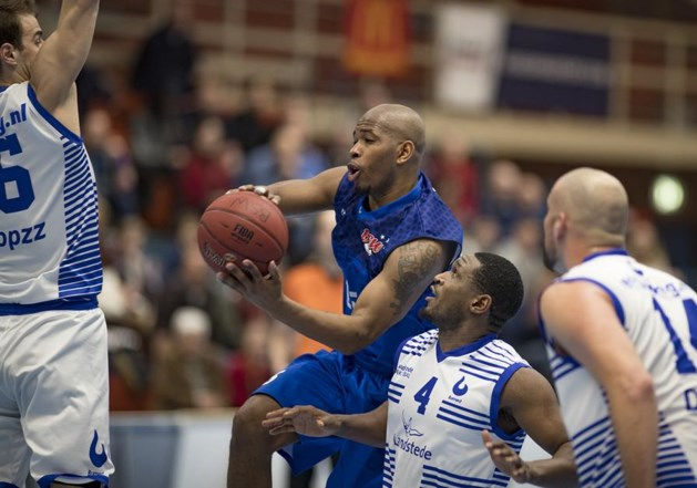 Sesationele winst basketballers BSW