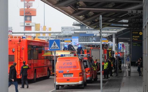 Passagiers geëvacueerd van vliegveld Hamburg