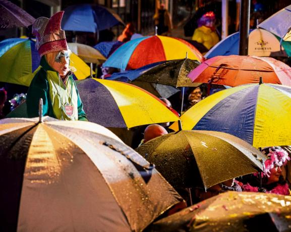 Natte aftrap van carnavalsseizoen