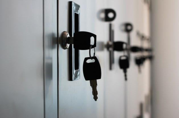 Sleutelkastjes opengebroken: meerdere inbraken in seniorencomplex