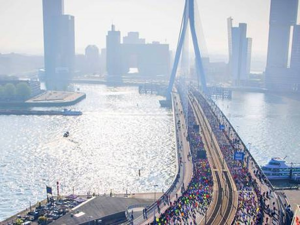Keniaan Kimutai wint marathon Rotterdam