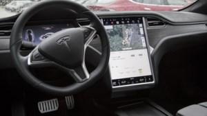 Tesla vergroot op afstand actieradius voor orkaanvluchters