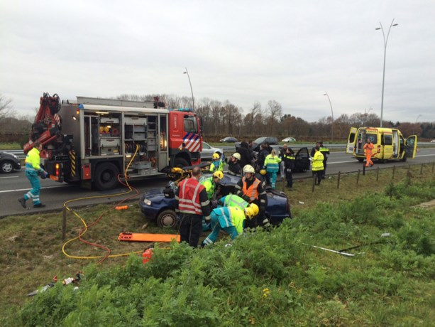 Brokkenpiloot blijft spoorloos na ernstig ongeval op A2