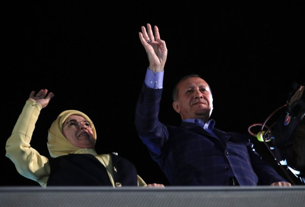 Europa kritisch over Turkije na referendum: 'kritisch beoordelen'
