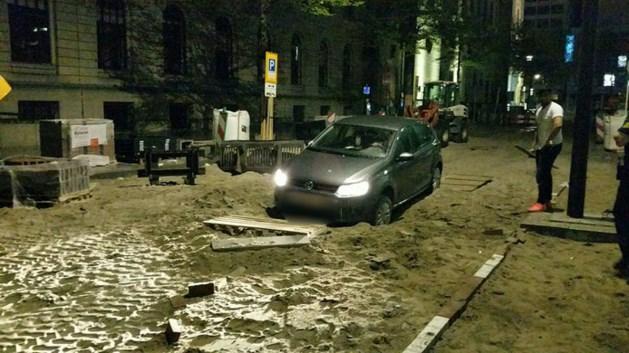 Koppige Belg moet eigen auto uitgraven