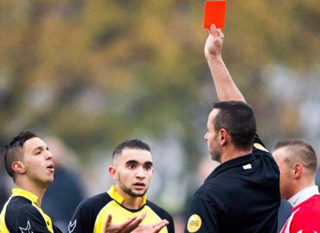 Rode kaartenregen in Limburgs amateurvoetbal
