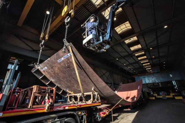 Deel kunstwerk MH17 op transport vanuit Maasbracht