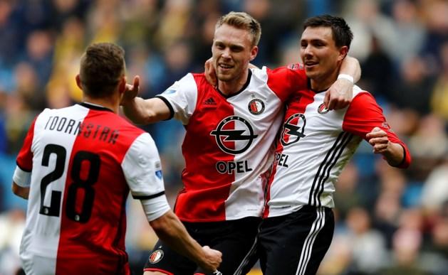 Feyenoord weer dichter bij titel na eenvoudige zege in Arnhem
