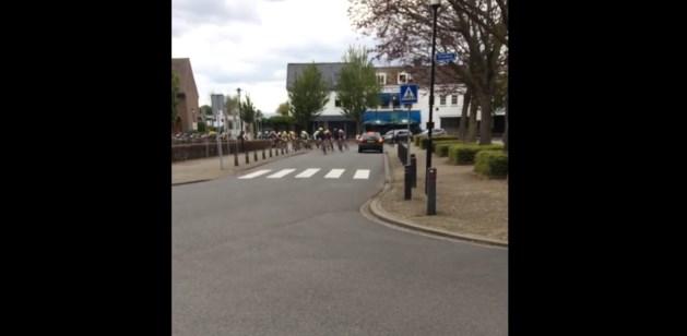Politie zoekt getuigen van levensgevaarlijke rit over wielerparcours