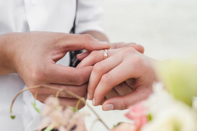 Na 18 jaar een bruiloft: 'Ik trouw met je als Feyenoord kampioen is'